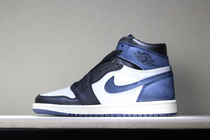 "Air Jordan 1 Retro High OG ""Blue Moon"" Basketball Shoes"